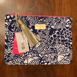 NWT Lilly Pulitzer Navy Upstream Clutch